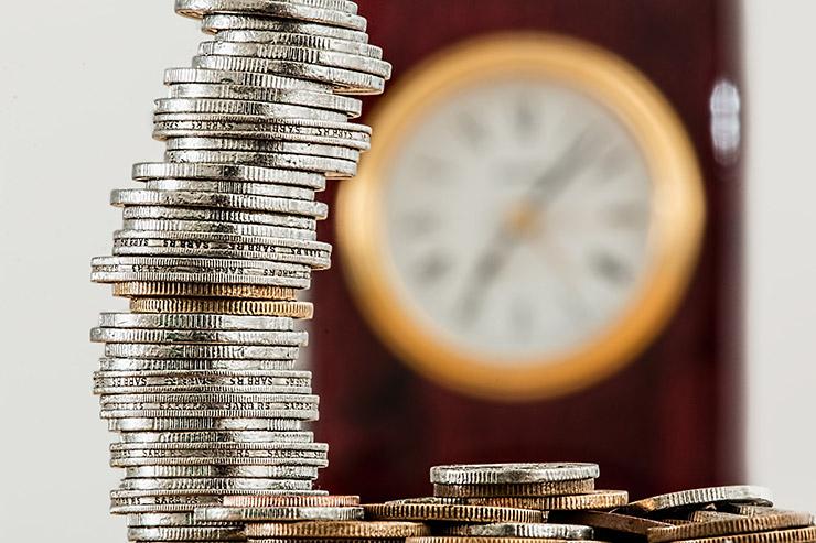 Yrittäjälle aika on rahaa ja yrityslainan pitäisi järjestyä nopeasti, jotta projektit eivät sen takia viivästy.