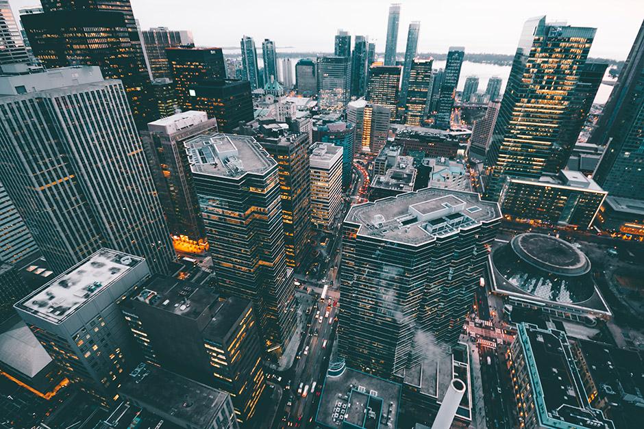 Rahoitusmarkkinat Suomessa ovat vahvasti kytköksissä koko globaaliin talouteen.