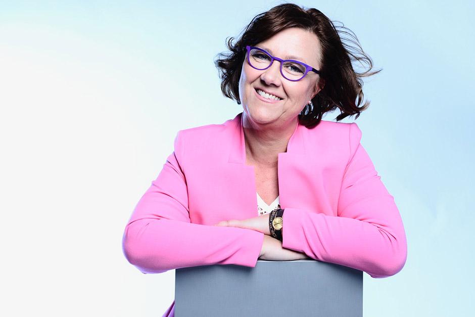 Moni haluaa yritykselle lainaa nopeasti ja hämmästyy prosessin hitaudesta, sanoo Rahoitusneuvojan Nina Ek.
