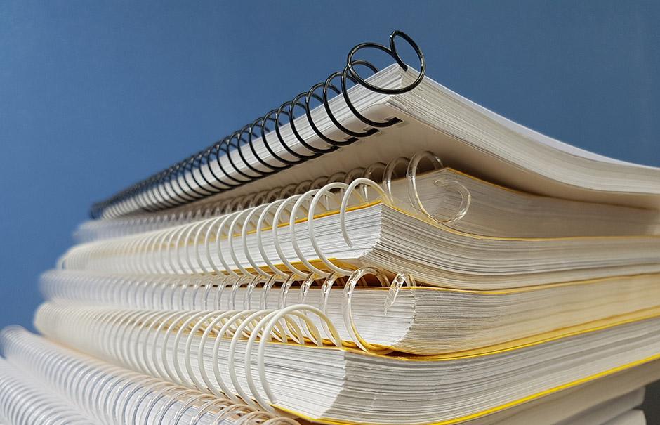 Yrityslainan hakeminen tuntuu joskus olevan melkoista paperisotaa.