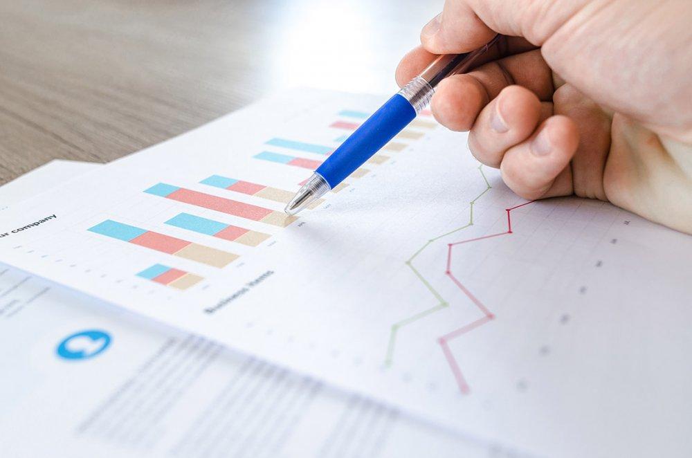 Yritysrahoitus järjestyy avullamme, kun teemme puolestasi tarvittavat laskelmat rahoittajille.